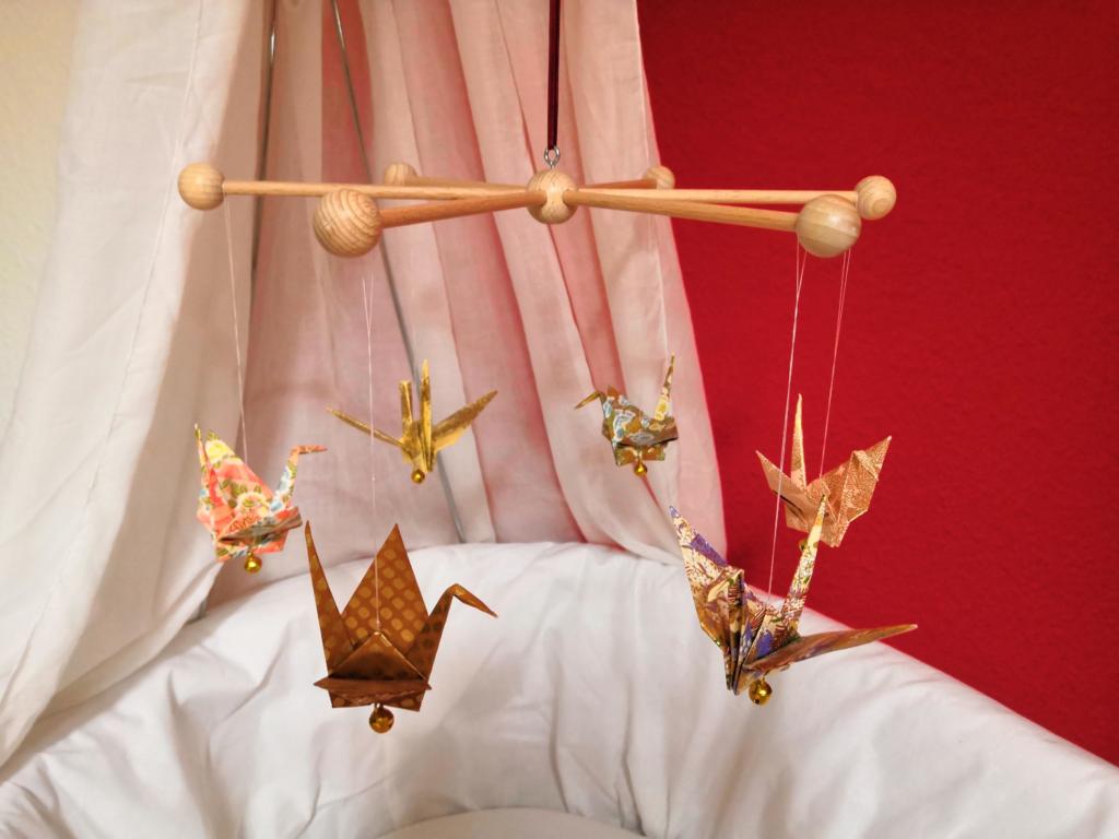 Kinderbett Mobile Origamidekoration